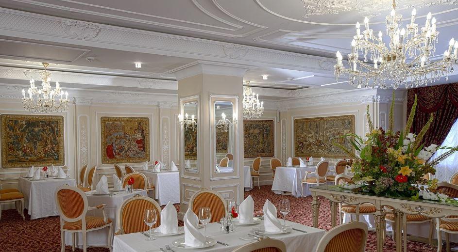 """Ресторан """"Екатерина Великая"""" в отеле """"Эрмитаж"""" в Санкт-Петербурге"""